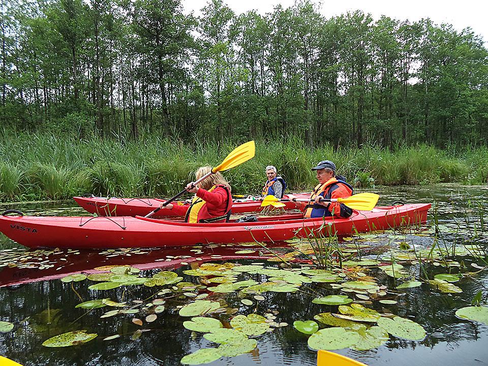 Kayaking on rivers and lakes 01